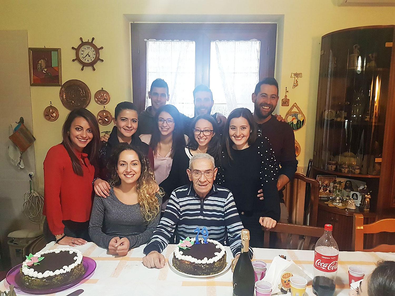 Giovanni Murgante malato SLA insieme ai volontari ISAV